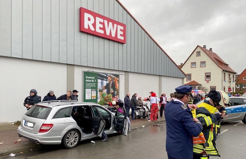 Tragedia w Volkmarsen! Kierowca wjechał w pochód karnawałowy ...