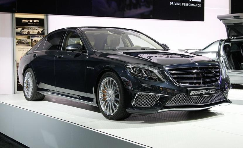 Mercedes-Benz AMG S65 RWD Sedan / autor: Car and Driver