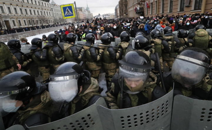 Petersburg, protesty / autor: PAP/EPA/ANATOLY MALTSEV