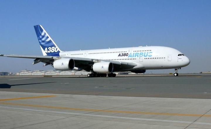 Airbus A380 / autor: Wikipedia