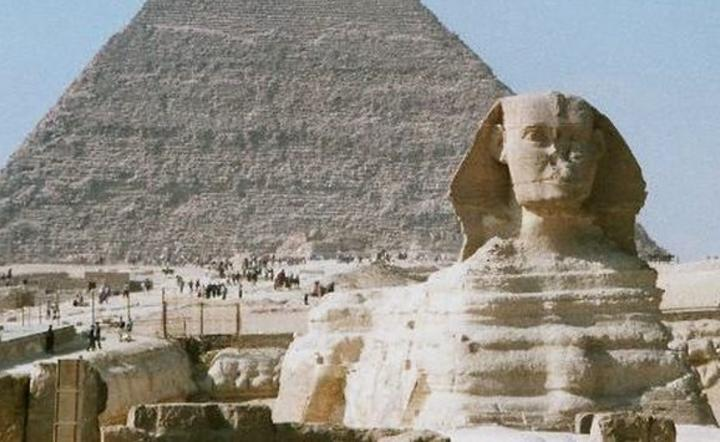 Great Sphinx of Giza and Khafre's Pyramid, Giza Plateau, Cairo. Fot. Hajor/Wikipedia