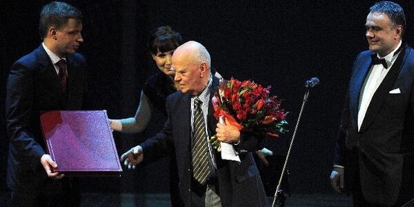 Jarosław Marek Rymkiewicz Człowiekiem Roku 2011 Gazety