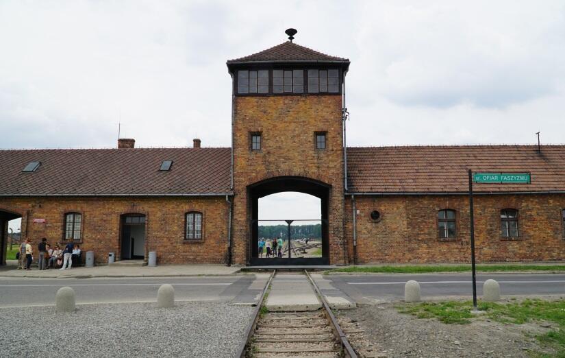 Auschwitz / autor: Fratria