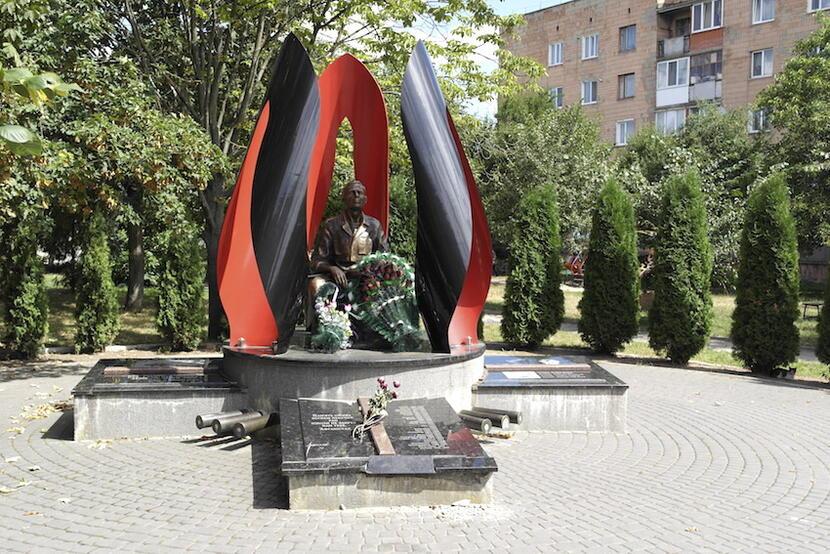 Pomnik bohaterów w Ostrogu. fot. M. Czutko